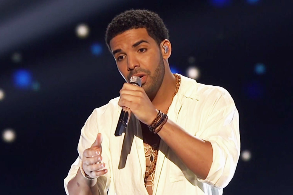 drake performs honorable mention and side pieces at the espys