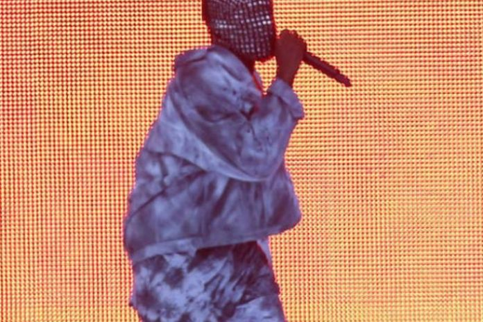 Watch Kanye West Perform at Wireless