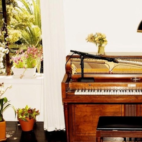 Emile Haynie featuring Charlotte Gainsbourg, Devonte Hynes and Sampha - A Kiss Goodbye