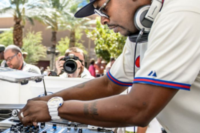 "Watch Will Smith and DJ Jazzy Jeff Reunite on Stage to Perform ""Summertime"" and ""Jump On It"""
