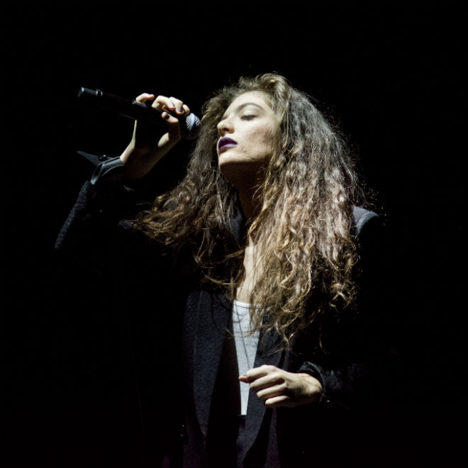 """Watch Lorde Cover Kanye West's """"Flashing Lights"""" & Bon Iver's """"Heavenly Father"""""""