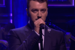 "Sam Smith Performs  ""I'm Not The Only One"" On The Tonight Show"