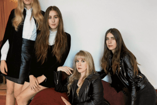 "Haim & Stevie Nicks Cover Fleetwood Mac's ""Rhiannon"""