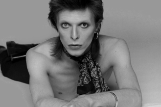 """David Bowie Releases New Single, """"Tis A Pity She Was A Whore"""""""