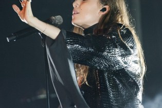 Lykke Li Covers Drake During London Performance