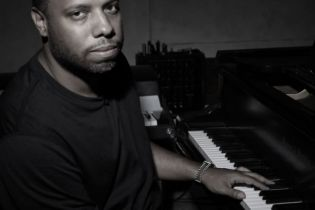 No I.D. Shares Rare Stories on Common, Kanye West, Def Jam & More