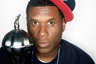 A Snippet of a New Jay Electronica Song Emerges
