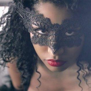 Nicki Minaj featuring Drake, Lil Wayne, Chris Brown - Only