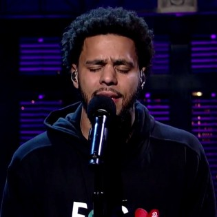 """J. Cole Performs """"Be Free"""" on 'Letterman'"""