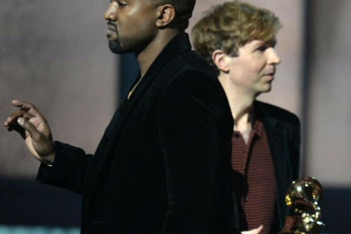 Kanye West Wants Beck to Hand Award to Beyoncé