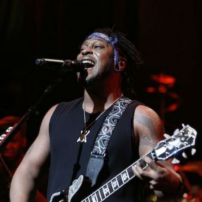 "Watch A 14-Minute Version of D'Angelo's ""Untitled (How Does It Feel)"""