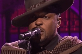 Watch D'Angelo's 'Saturday Night Live' Performance