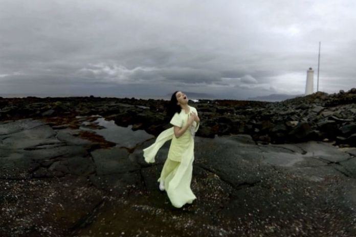 "UPDATE: Björk Unveils Virtual Reality Video for ""Stonemilker"""
