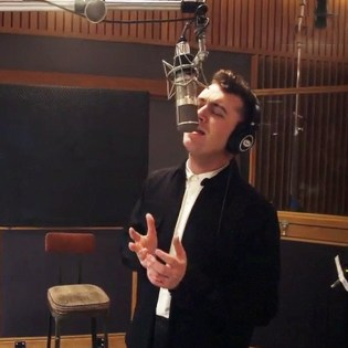 Sam Smith featuring John Legend - Lay Me Down (Red Nose Day 2015)