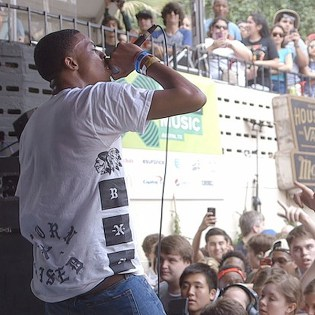"""Watch Vince Staples Perform """"Blue Suede"""" and """"Trunk Rattle"""" at SXSW"""