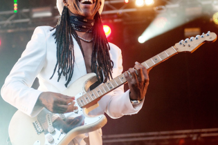 Disco Legends Chic and Nile Rodgers Perform New Single On Jimmy Kimmel