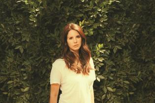 Lana Del Rey and Grimes Announce Tour