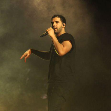 Nicki Minaj Joins Drake On Stage at Coachella