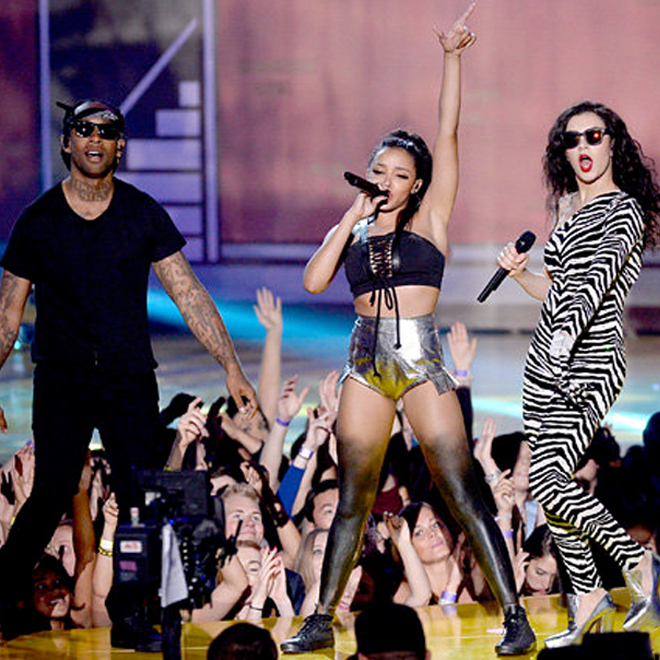 """Ty Dolla $ign, Charli XCX and Tinashe Perform """"Drop That Kitty"""" at the 2015 MTV Movie Awards"""