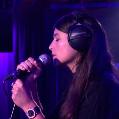 "Watch Jessie Ware Cover Nick Jonas' ""Jealous"" Live"