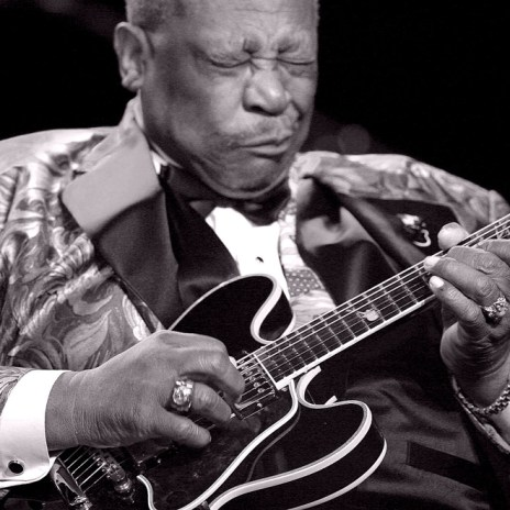 "BB King, the ""King of Blues,"" Dies at Age 89"