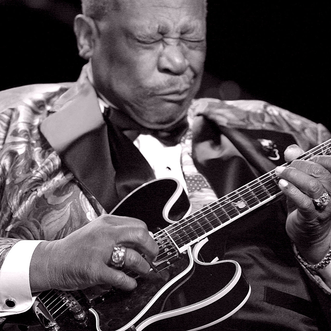 """BB King, the """"King of Blues,"""" Dies at Age 89"""