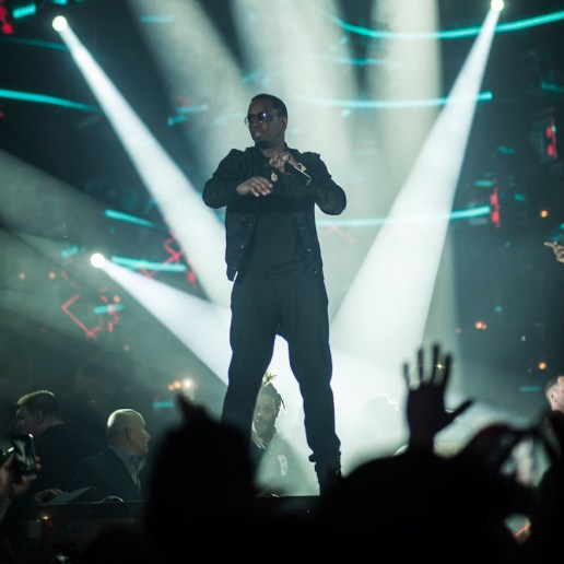 """Diddy, Ma$e and Lil Wayne Perform """"Mo Money, Mo Problems"""""""