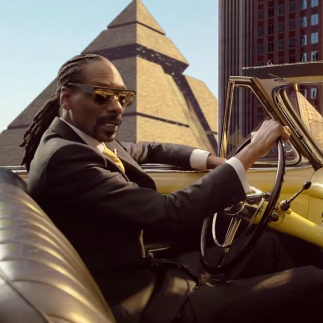 Snoop Dogg featuring Stevie Wonder & Pharrell - California Roll