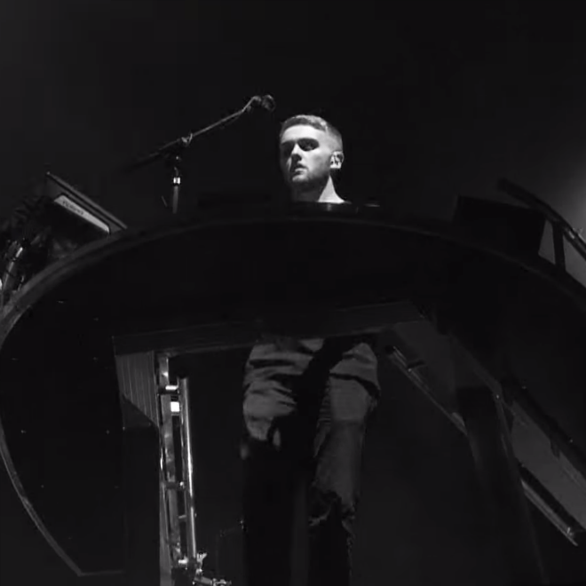 Disclosure featuring Gregory Porter - Holding On (Live at Wild Life)