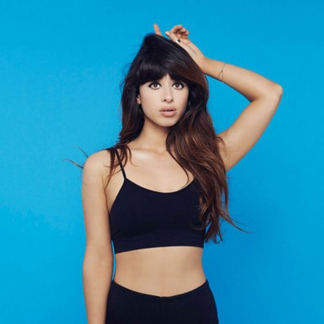"""Foxes Premieres Her New Single """"Body Talk"""""""