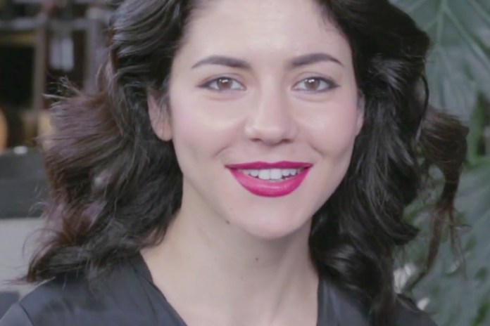 """Watch Marina And The Diamonds Perform an Acoustic Version of """"Happy"""""""