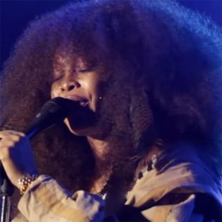 The Roots & Erykah Badu Pay Respect to Hip-Hop With Extended Live Medley