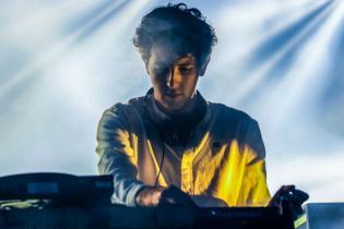 "Watch Jamie xx Play ""I Know There's Gonna Be (Good Times)"" Live at Glastonbury"