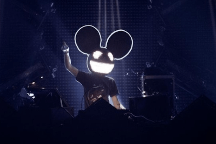 Deadmau5 Goes at David Guetta For Using Live Horses at Ibiza Show