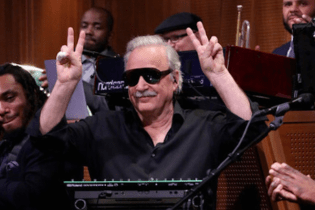 Giorgio Moroder Performs with The Roots on The Tonight Show