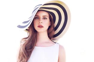Lana Del Rey Unveils Tracklist for 'Honeymoon'