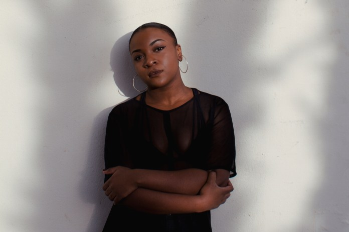 """UK R&B Singer, Ray Blk Follows up EP With New Track, """"Talk To Me"""""""