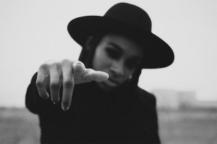 """Little Simz Announces Date of Debut Album and Shares """"Dead Body"""" Video"""