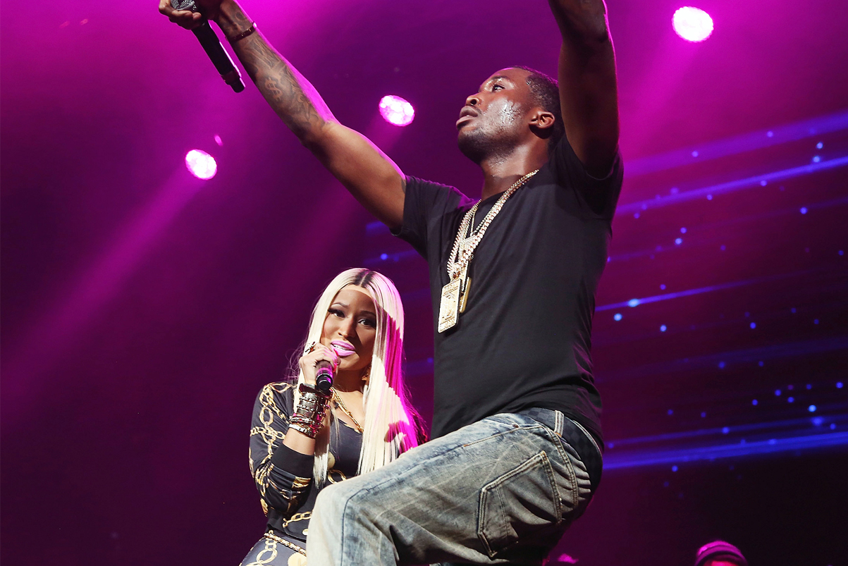 Meek Mill Performs New Drake Diss Freestyle on 'The Pinkprint' Tour
