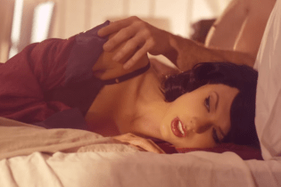 "Watch Taylor Swift's New Video ""Wildest Dreams"""