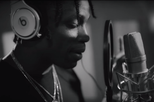 Watch Travi$ Scott Working on a 'Rodeo' Song