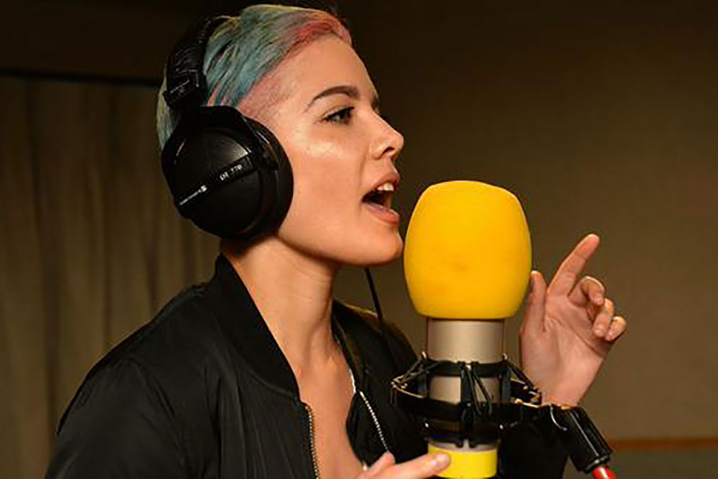 "Halsey Mashes Justin Bieber's ""What Do You Mean"" with The Weeknd's ""Often"" In New Cover"