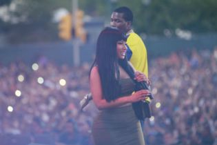 Meek Mill Brings out Nicki Minaj During Made in America Performance