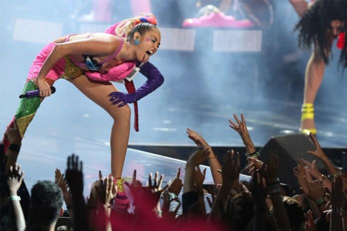 Miley Cyrus - Dooo It!