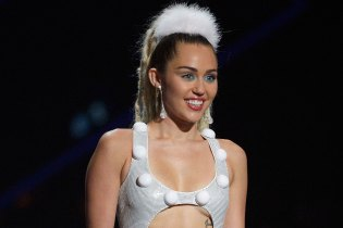 Read These Funny FCC Complaints Regarding Miley Cyrus During the VMAs
