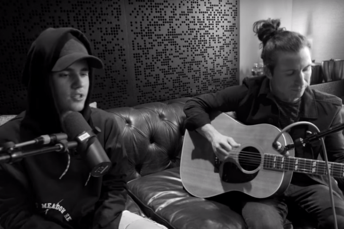 "Watch Justin Bieber Sing Acoustic Version of ""What Do You Mean?"""