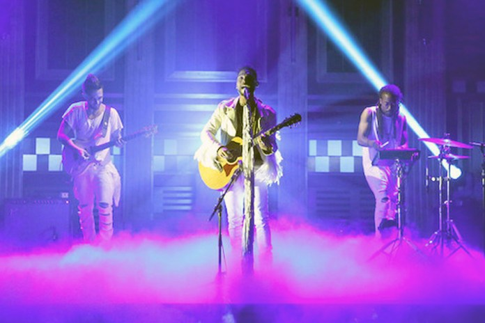 "Watch Miguel Perform ""Simplethings"" on 'Jimmy Fallon'"