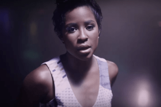 "DeJ Loaf and Big Sean Share New Video for ""Back Up"""