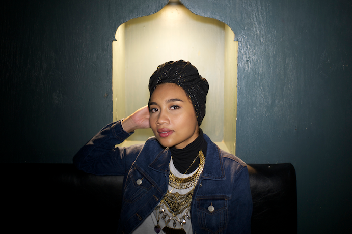 "Yuna Covers ""Hotline Bling"""