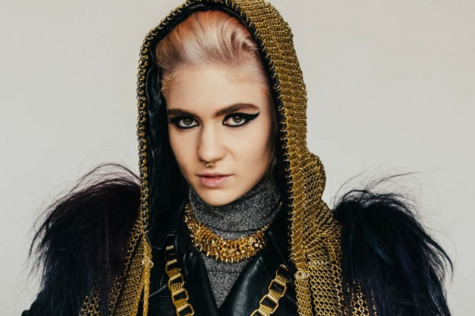 Grimes Premieres New Music During Show